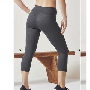 Fabletics Powerhold grey Capri leggings size XS
